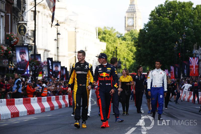 Nico Hulkenberg, Renault Sport F1 Team, Max Verstappen, Red Bull