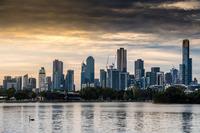 Vista dello skyline di Melbourne dalle sponde del lago dell'Albert Park