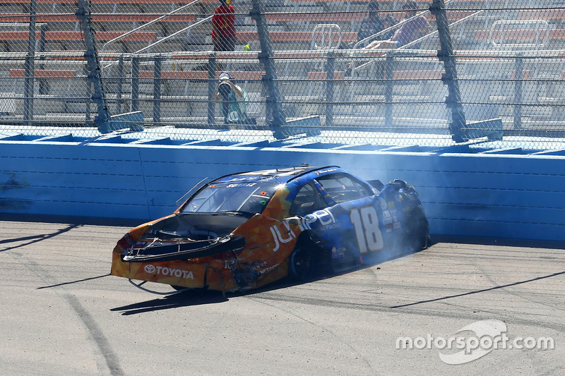 Crash: Daniel Suarez, Joe Gibbs Racing, Toyota