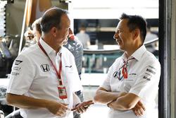 Jonathan Neale, Managing Director, McLaren, Yusuke Hasegawa, Senior Managing Officer, Honda