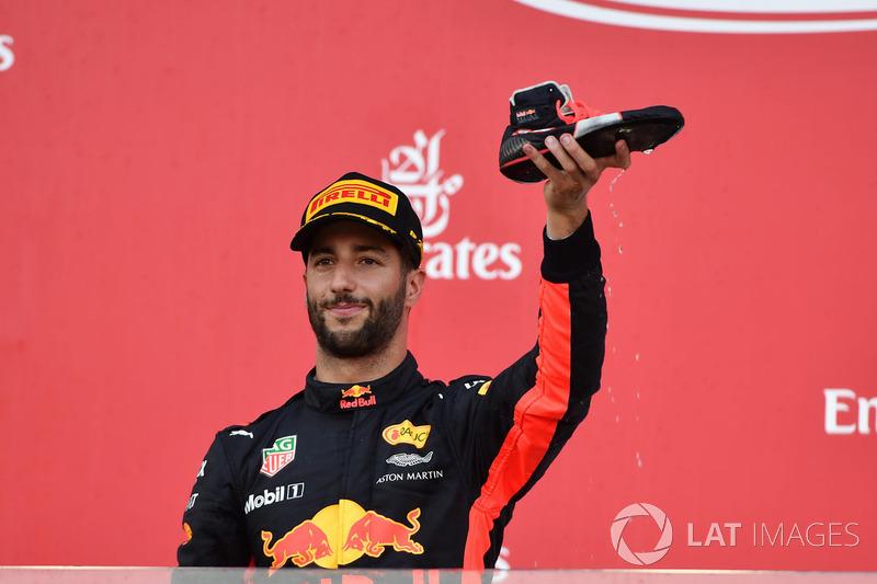 Daniel Ricciardo, Red Bull Racing fait un shoey