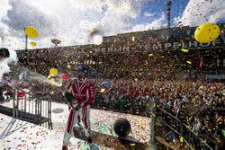 Nick Heidfeld, Mahindra Racing en el podio