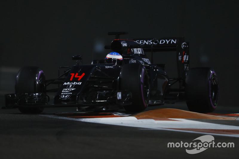 Em 2016, com o fraco carro da McLaren, Alonso melhorou um pouco, mas só conseguiu ficar em décimo no campeonato