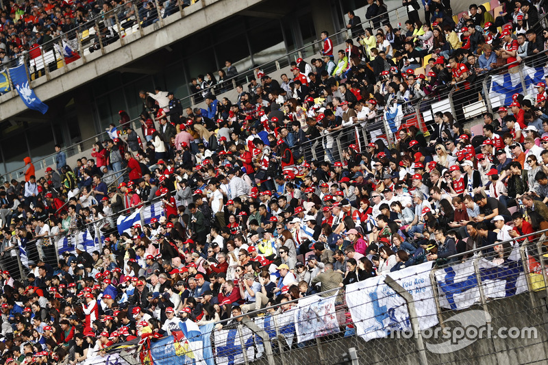 A packed grandstand during qualifying