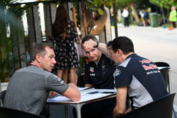 Paul Monaghan, Red Bull Racing Chief Engineer and James Key, Scuderia Toro Rosso Technical Director