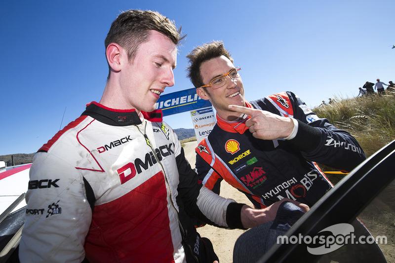Il vincitore Thierry Neuville, Hyundai Motorsport, il secondo classificato Elfyn Evans, M-Sport