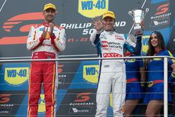 Podium: race winner Fabian Coulthard, Team Penske Ford, third place Garth Tander, Garry Rogers Motorsport