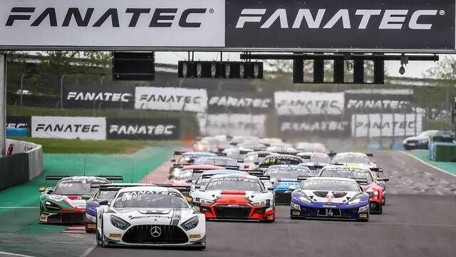Magny-Cours Race 2 Start