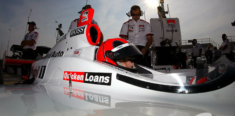 IRL: Castroneves claims St. Louis pole, instrument-free