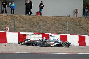 Formula 1 Nostalji Tarihte bugün: Raikkonen, Barcelona testinde kaza yapıyor