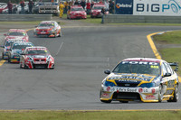 Triple 888 wins action packed Sandown 500
