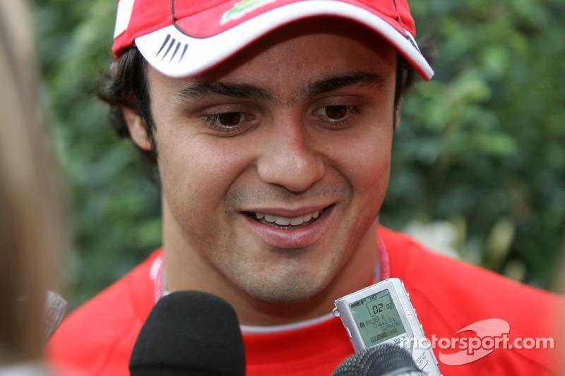 Massa meets the Montreal media