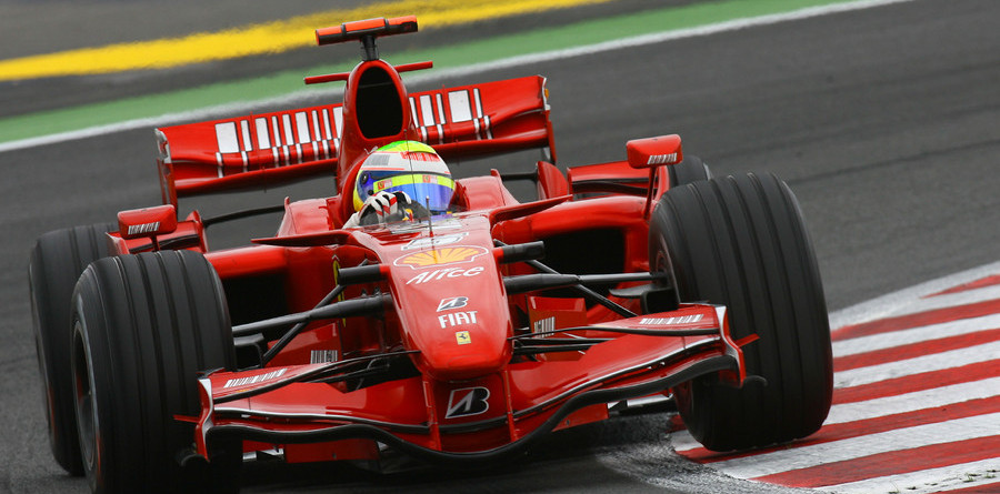Massa flies to pole in French GP qualifying