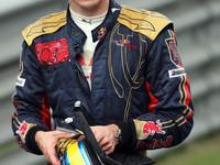 Toro Rosso keeps Bourdais