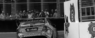 Supercars Whincup set for back to back titles