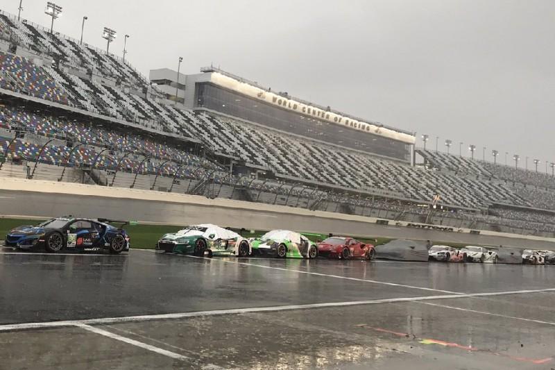 Rennabbruch bei den 24 Stunden von Daytona nach Starkregen