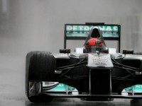 F1: Schumacher can stay beyond 2012 'with pleasure' - Haug