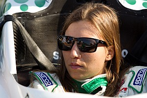 IndyCar HVM's Simona de Silvestro Not Cleared To Race At Iowa