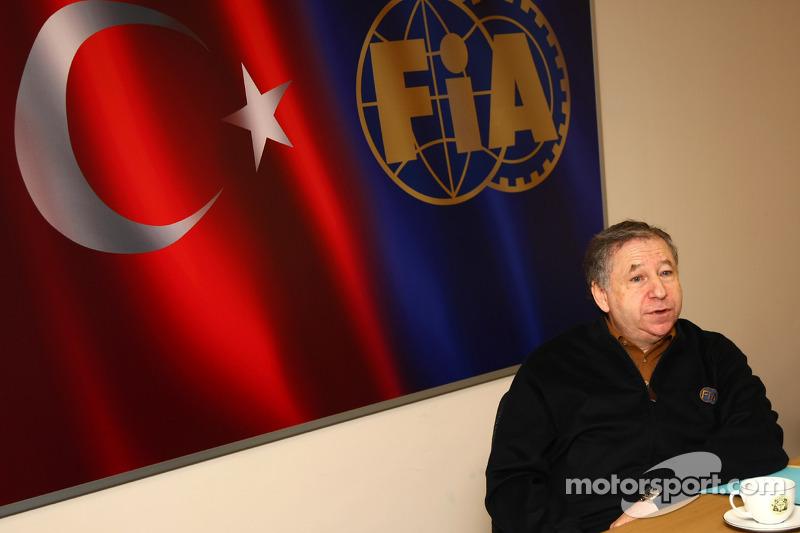 FIA releases arduous final calendar for 2012
