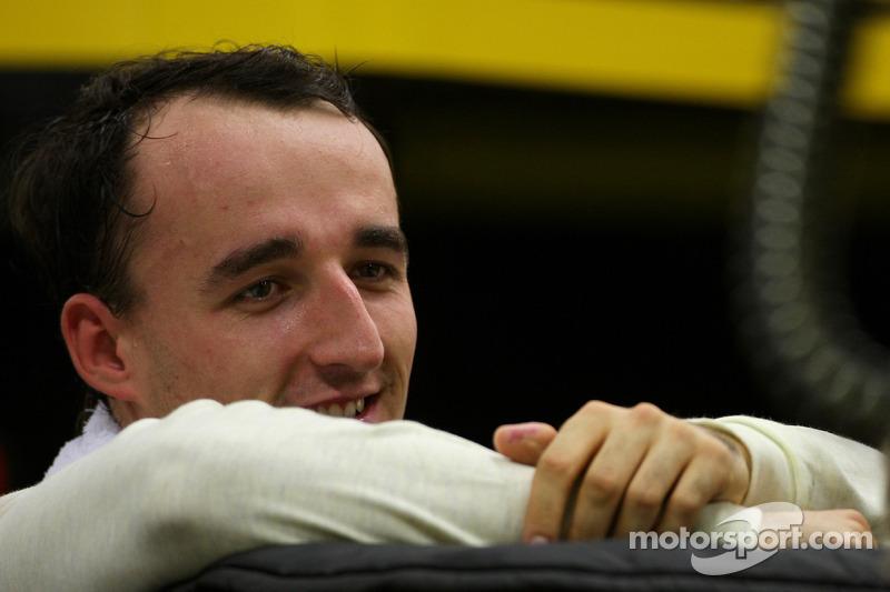 Renault impose October deadline for Kubica return