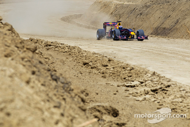 Work finally resumes at 2012 US GP site