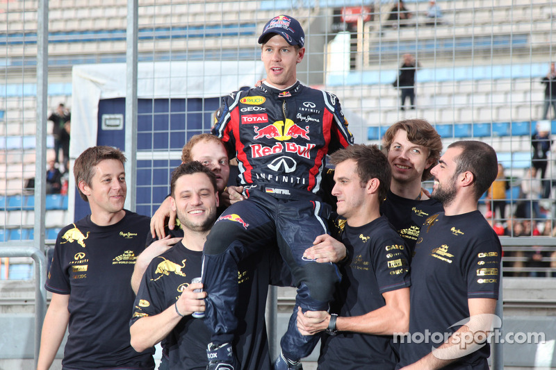 Germans think Vettel to beat Formula One title record