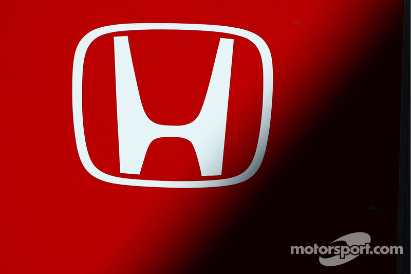 Honda to provide engines to RLL in 2012