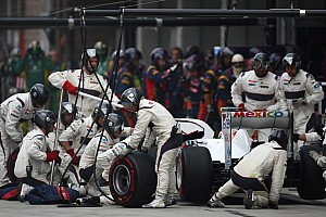 Formula 1 Boss blames drivers for Sauber's slow pitstops