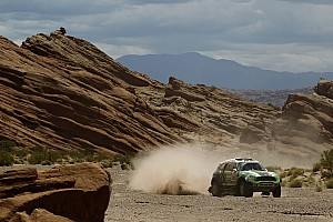 Dakar Coma, Peterhansel, Maffei and de Rooy lay down hot times in stage 4