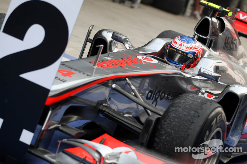 Button has built 'strong team' around him - Hamilton