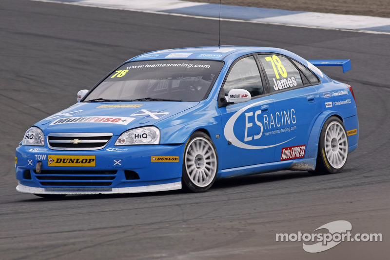 ES Racing acquires Vectra cars for 2012 championship contest