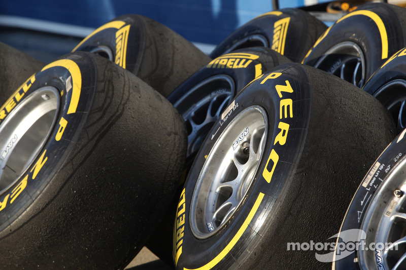 Pirelli announces compound choice for the first three races