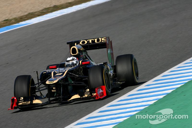 Three teams modify 2012 pre-season programmes
