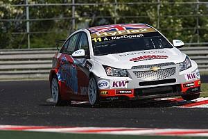 WTCC MacDowall Race of Hungary event summary
