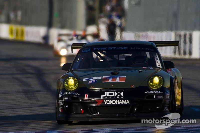 Porsche looks to climb into championship chase at Laguna Seca
