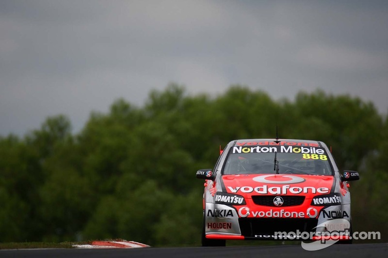 Tire strategy pays off in Darwin victory for Lowndes