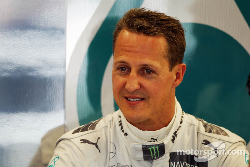 Mansell thinks Schumacher could stay in 2013