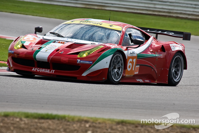 Ferrari rules GTE at Silverstone