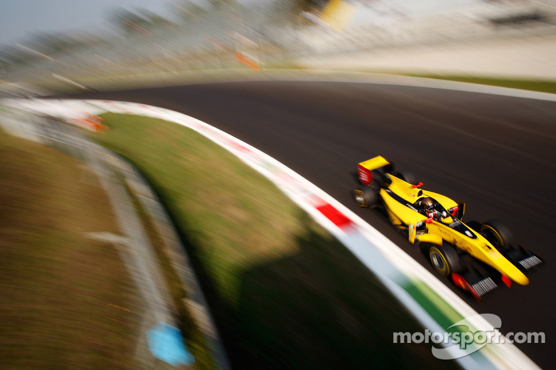 Valsecchi back on top in Monza sprint