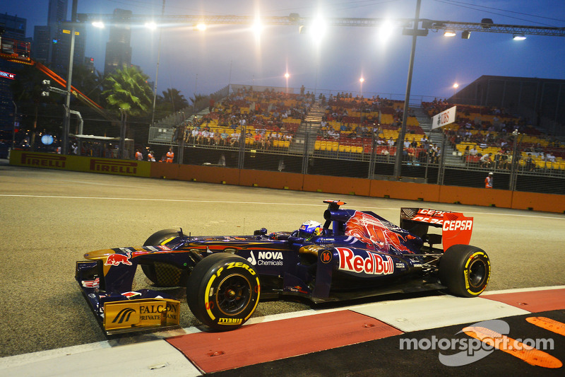 Fun time for Toro Rosso drivers on Marina Bay Street Circuit