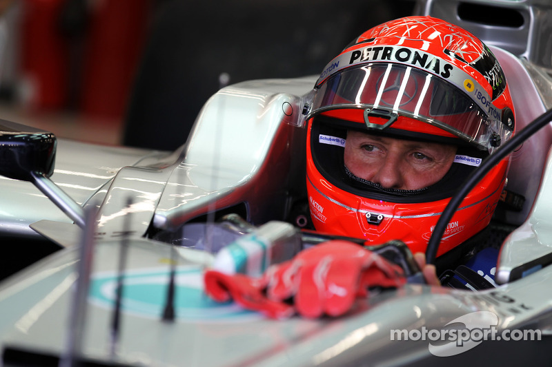 F1 considers 2013 'shark fin' for driver identification