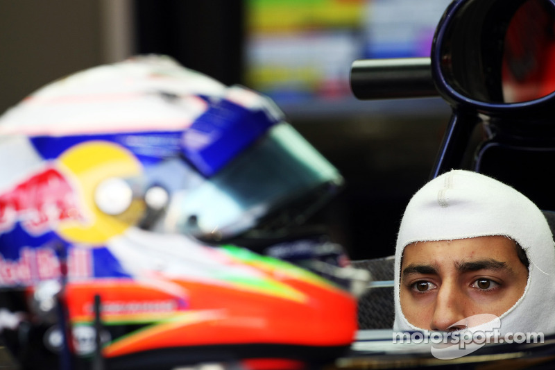 Points help quest to keep F1 seat - Ricciardo