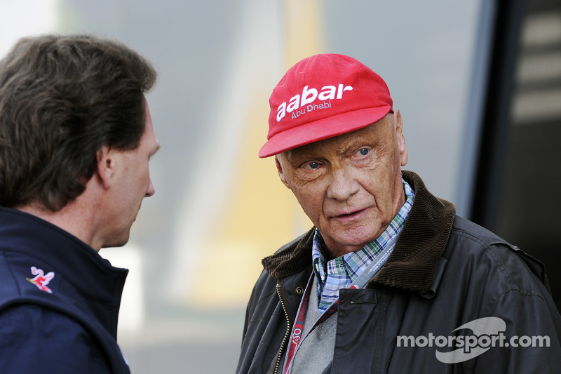 Mercedes denies Schumacher was sacked