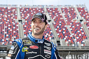 NASCAR Cup Qualifying report  Johnson gets 28th career pole with fastest lap at  Martinsville