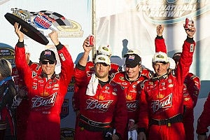 NASCAR Cup Race report Harvick and team talk about the Phoenix 500