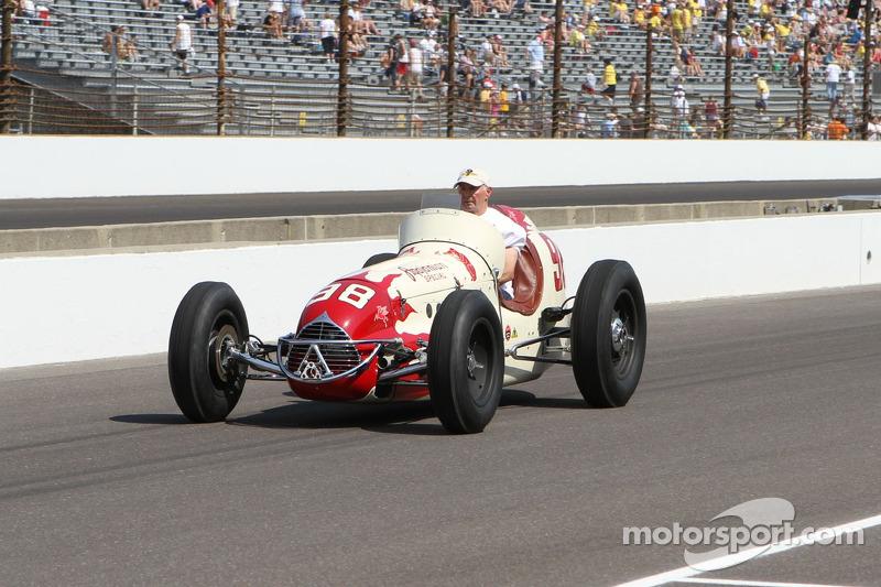 This Week in Racing History (November 18-24)