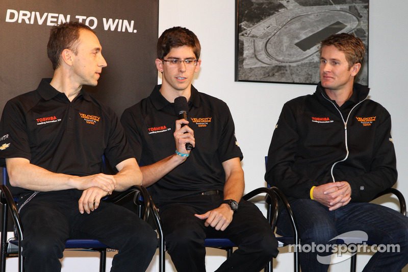 Angelelli, Taylor and Hunter-Reay on 2nd place in the Rolex 24 at Daytona