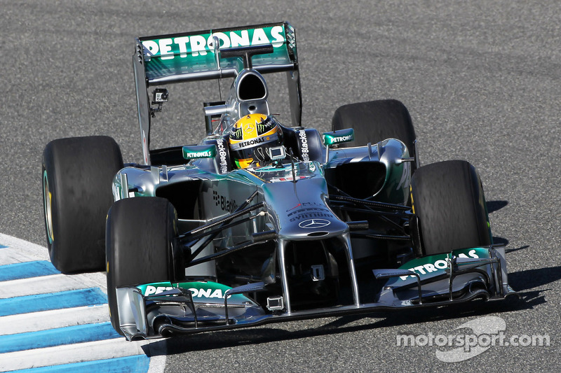 Defiant Mercedes begins push for winning ways