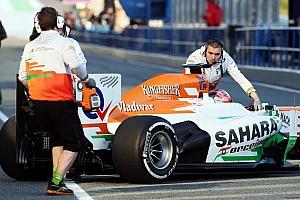 Formula 1 Breaking news Rossiter hits mechanic in Jerez pitstop