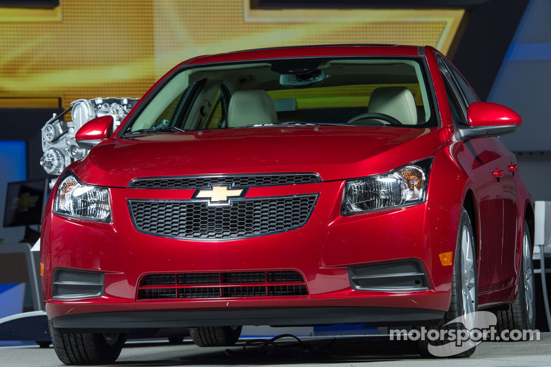 Chevrolet Cruze Clean Turbo Diesel unveiled at Chicago Auto Show